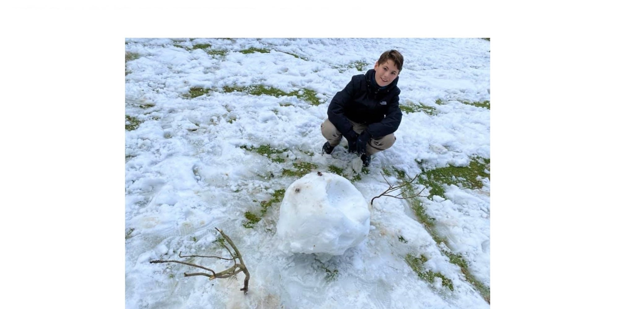 Carden Snow 2021 Henry Half Buried Snowman E4